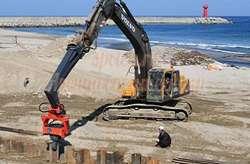 Гидромолот Хитачи 200 (20 тонн), Комацу (4,5 тонны)